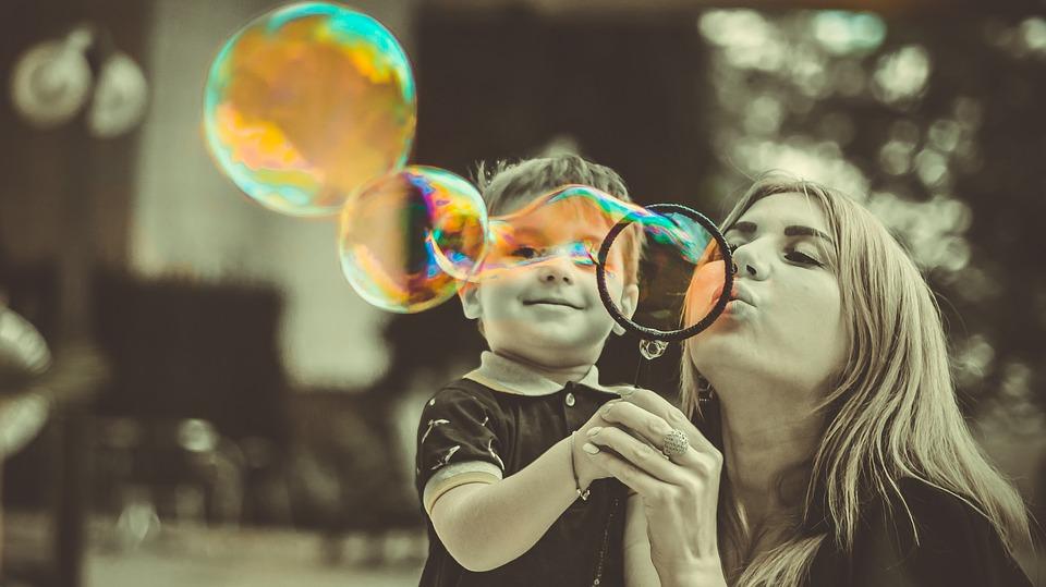 Comment aider votre enfant à triompher de ses émotions